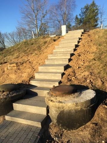 Budnik - Układanie kostki brukowej - Stacja uzdatniania wody w Jałowie